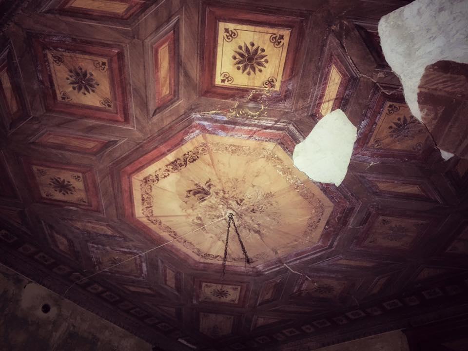 Il soffitto della sala